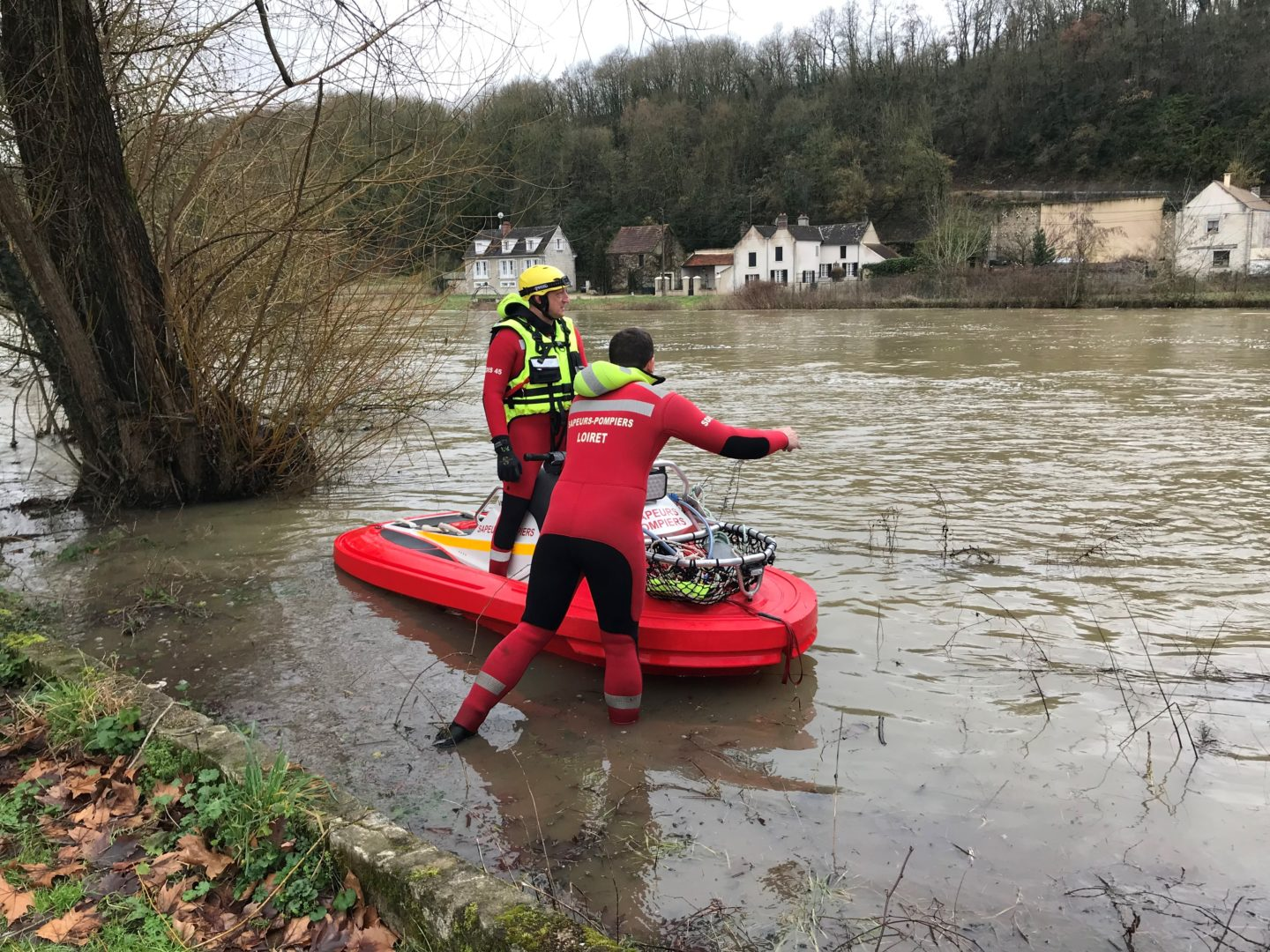 river flooding rescue