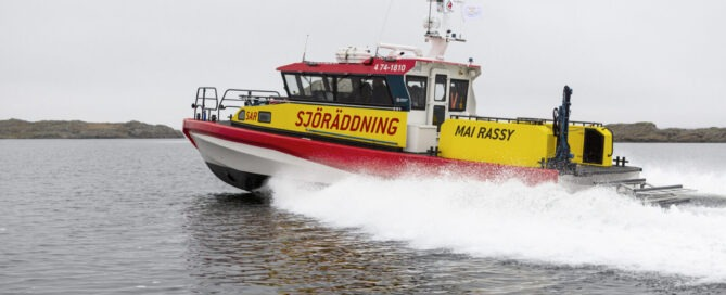 Mai Rassy Swedish Sea Rescue Society Vessel carrying RescueRunner as daughter craft